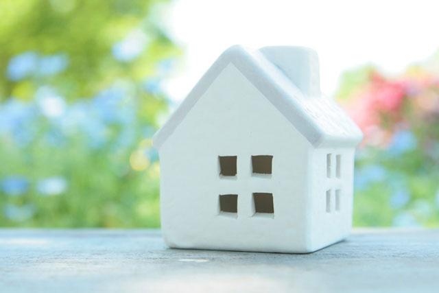 白の住宅模型