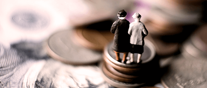 老夫婦と硬貨